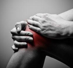 Silná bolest kolene
